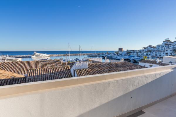 2 Bedroom, 2 Bathroom Penthouse For Sale in Puerto Banus, Marbella