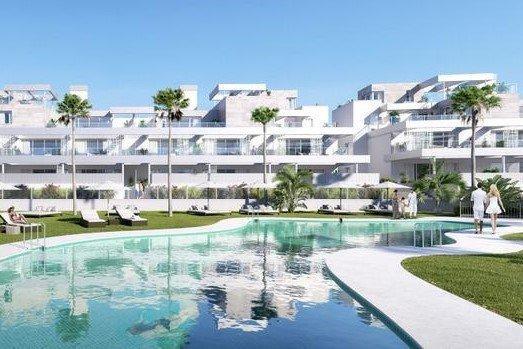 3 Bedroom, 2 Bathroom Apartment For Sale in Palm Village, Estepona