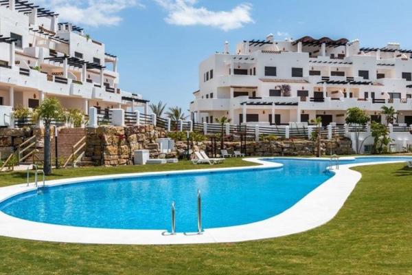 2 Bedroom, 2 Bathroom, Penthouse for Sale in Estepona