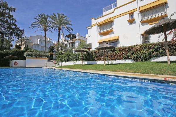 5 Bedroom, 4 Bathroom Townhouse For Sale in Marbellamar, Marbella Golden Mile