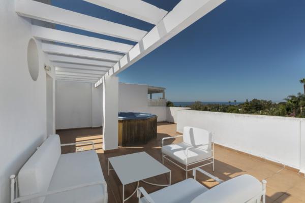 2 Спальня, 2 Ванная Пентхаус Продается в Marbella Real, Marbella Golden Mile